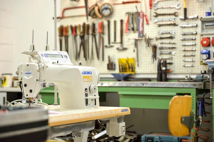 Vendita riparazione e ricambi macchine per cucire for Macchine da cucire usate