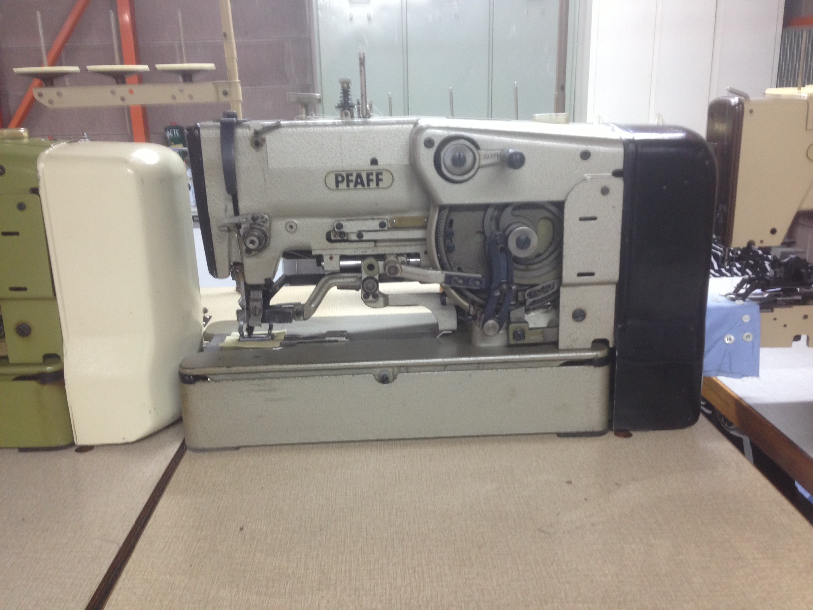 Macchine per cucire pfaff juki bernina industriali for Pfaff macchine per cucire